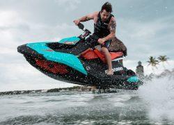 seadoo, spark, trixx, jet, moto aquática, diversão, truques, manobras, azul candy, vermelho chili peppe