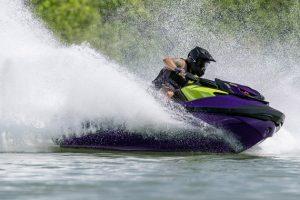 Para quem acelera nas águas, mas não abre mão dos passeios com os amigos, aSea-Doocriou oRXP-X RS 300. Confira