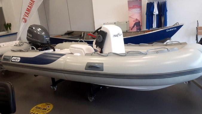 Barco inflável, Zefir F360, conjunto com zero horas, motor de popa Yamaha 40 HP